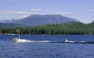 cultus-lake-waterskier