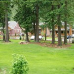 cultus-lake-cottages-picnic-tables-4