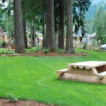 cultus-lake-cottages-picnic-tables-5