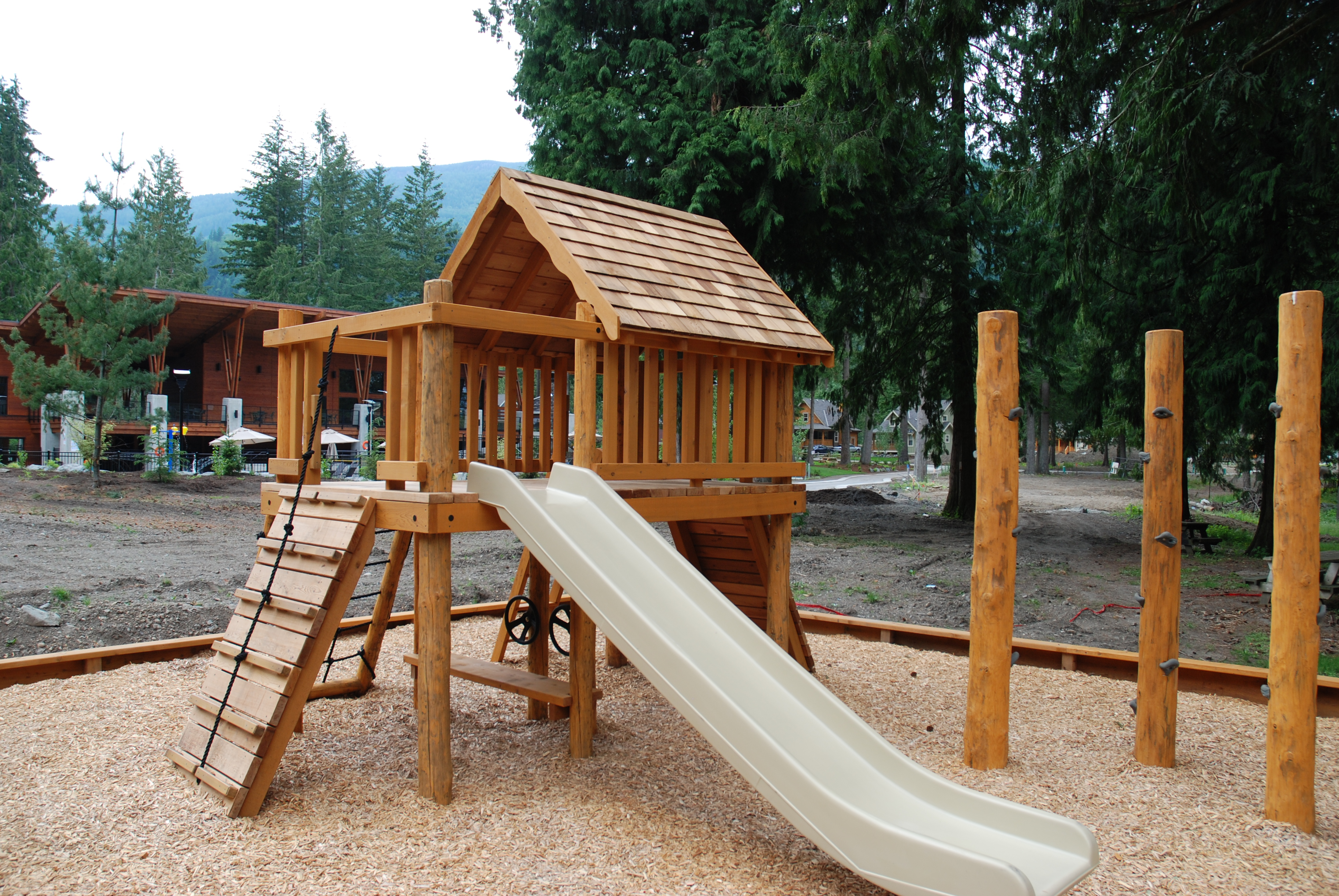 The cottages at cultus lake kid 39 s playpark climbing for Cabins at cultus lake