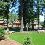 cultus-lake-cottages-picnic-tables-2