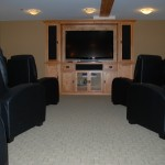 cultus-lake-cottages-treehouse-movie-theatre-5