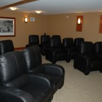 cultus-lake-cottages-treehouse-movie-theatre-1